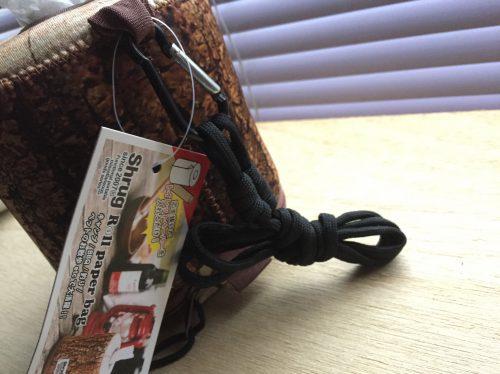 携帯に便利なカラビナ&ロープ。